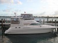 Description This Sea Ray 420 Aft Cabin offers a great