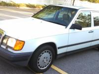 Low mileage Mercedes-Benz 300E, very good condition and