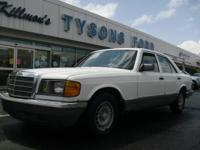 Good running 1985 Mercedes Benz 300SD Diesel. White