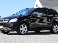 2011 Mercedes-Benz ML350 4Matic    *Black Exterior with