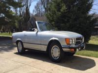 . 1973 Mercedes-Benz 450SL:A very nice, rust free car,