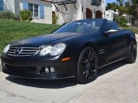 This 2004 Mercedes-Benz SL-Class 2dr SL500 2dr Roadster