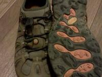 Men's Merrell Chameleon Stretch boots in excellent