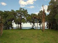Merritt Island RIVERFRONT LOT located in quiet little