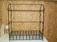 Metal quilt/towel rack asking $10.00. Call or text me