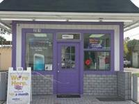 Browse through Metro PCS on 15th street and get lots on