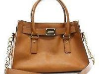 100% Authentic Michael Kors Good Condition!  Pre-Owned