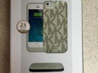 ORIGINAL MICHAEL KORS POWERCASE & POWERMAT FOR IPHONE 5