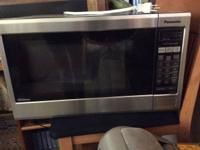 Nice Panasonic microwave oven, like new... call 209