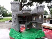 fisher price mideveil castle --- great condition. my