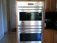 Miele Stainless Steel Double oven like new and hardly