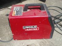 LINCOLN ELECTRIC Mig welder WELD-PAK 100 used excellent