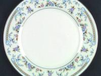 MIKASA FINE CHINA DINNERWARE SET, SERVICE FOR 12,
