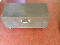US Airforce captains chest with rollers 1951 army green