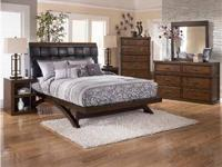 Set Includes Queen Bed, Dresser, Mirror And Nighstand!!