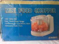 Mini food chopper, perfect for salsa. Only used a