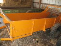 MINNEAPOLIS MOLINE LS-300 SPREADER with MANUAL call