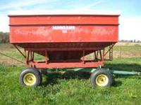 has J&M gear with 11L-15 tires, tires are good, wagon