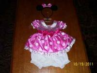 Size 18 month Minnie Mouse halloween costume. Bought