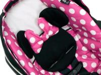 Super cute baby girl MINNIE MOUSE Disney car seat.