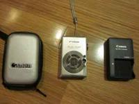 Mint Condition Canon PowerShot SD400 Digital Camera