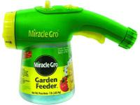 Miracle-Gro Garden Feeder 1 lb. Fertilizer is an easy