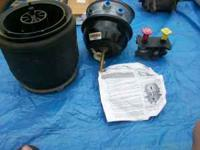 Misc. bunch of tractor trailer parts. Descriptions and