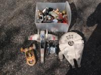 Mixture of small and medium sized Star Wars toys.All