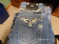 Cloth/Shoes/Accessories:WomenType:JeansLike new.Miss