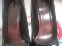"CLASSIC BLACK PATENT LEATHER 4"" PUMPS - NEVER WORN -"