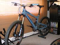 DIAMONDBACK MISSION ALL-MOUNTAIN TRAIL BIKE. This bike