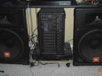 Mixer amp Peavey  800 watts 8 channels, and 2 Jbl