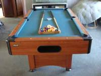 Mizerak 6ft pool table. Comes with balls, 2 cue's, ball