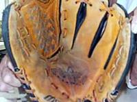 Mizuno 11.5 Youth Baseball Glove with Power Lock Used