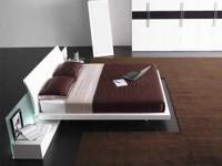 Modern White Contemporary Queen Platform Bed (New in