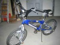 Mongoose Outer Limit boys freestyle BMX Bike. Bike is