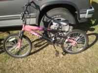 Mongoose girls bike for sale. The back sprocket is