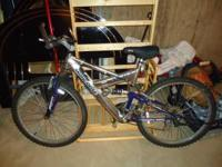 Mongoose mountain bike in great condititon, call