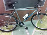im selling a brand new black and Grey mongoose mountain