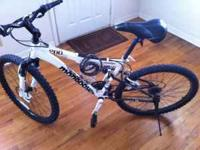 Mongoose XR-200 mountain bike for sale. Great condition