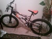 "Hi I'm selling my Mongoose 26"" Mens XR250 Mountain Bike"