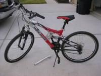 Mongoose 21 speed mountain bike, rarely used, extra