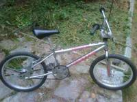 Looking to sell a used 20in BMX bicycle Mongoose Menace