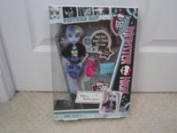 NIB - Picture Day Abbey Bominable or Caty Noir, $20.00