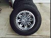 This is an actually nice set of 17inch chrome Moto
