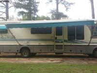 1995 Pace Arrow Vision motor home by Fleetwood. Good