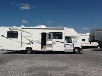 2003 Four Winds Motorhome This motorhome is in
