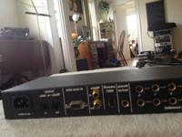 Motu 828 original FireWire Audio interface. Has 8 in