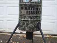 This feeder has been lightly used and is in good