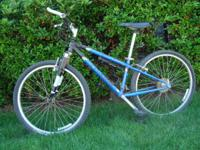 Schwinn Mesa Women's Mountain bike Rock Shox 26in